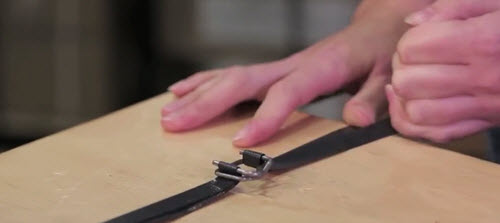 how to use a wire buckle for strapping step 4
